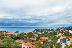Beautiful villa, 800 m from the beaches, in Lloret de Mar