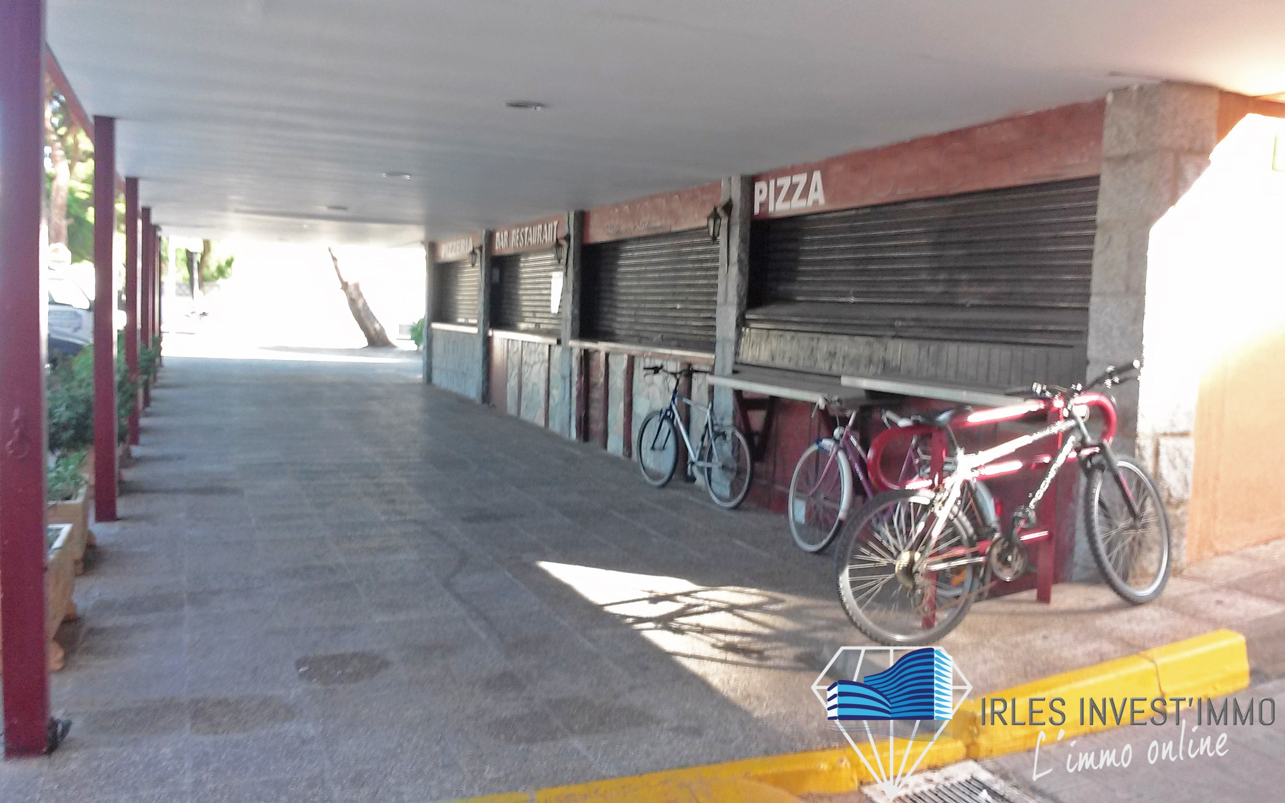 Local commercial location vente proche marina santa for Location garage rosas espagne