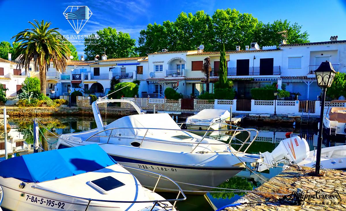 Empuriabrava, apartamento con preciosas vistas al puerto privado