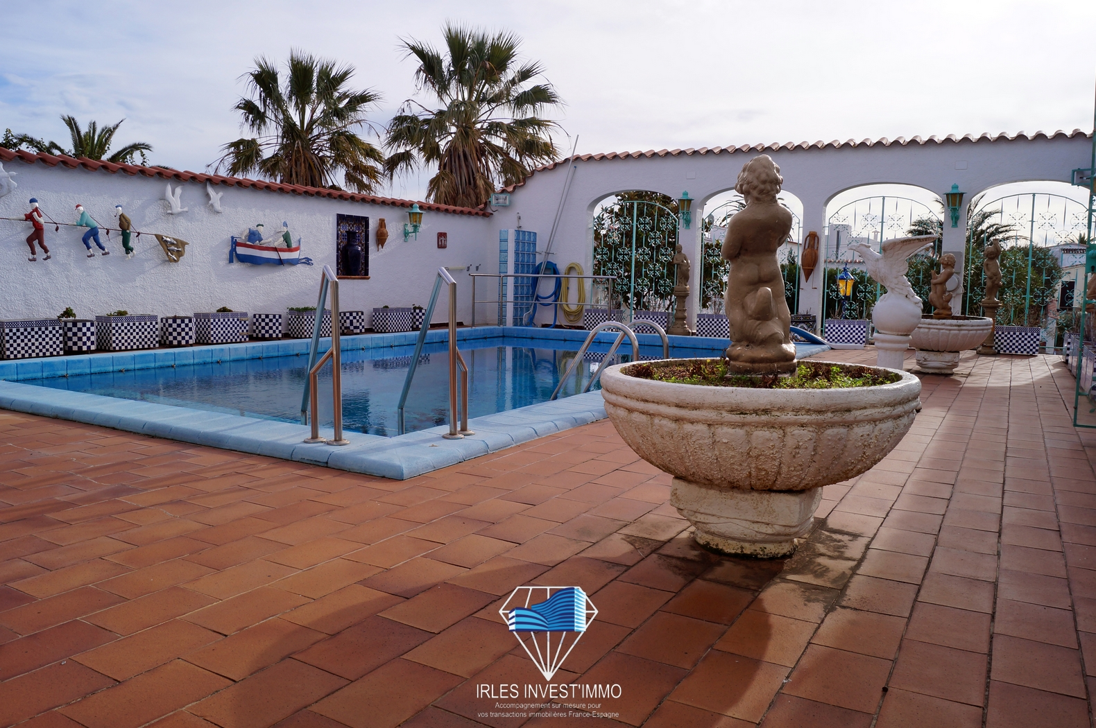 Empuriabrava, House with Mooring and Pool