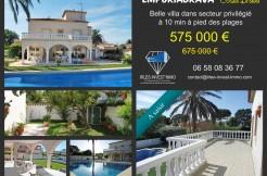 vente-maison-proche-mer-piscine-baie-de-roses-empuriabrava-gérone-costa-brava-1